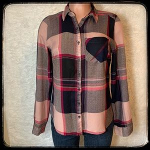 MAURICE'S women's flannel shirt size small